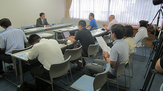 8月8日 緊急記者会見、動画と報道